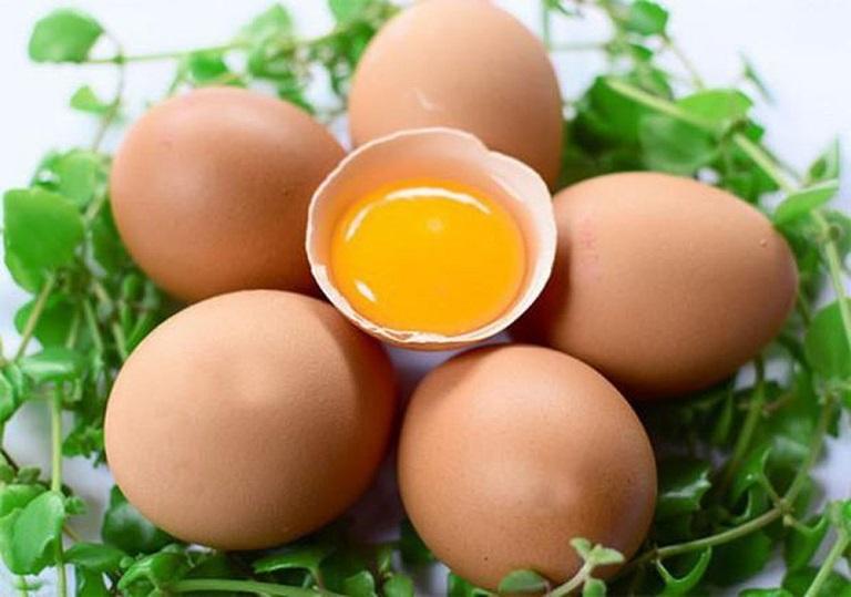 Cách Trị Mụn Đầu Đen Tại Nhà Bằng Trứng gà