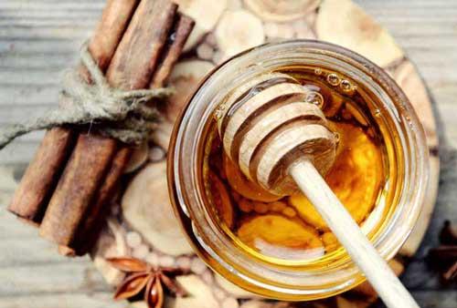 Cách trị mụn bằng mật ong và bột quế